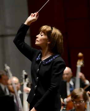 (Maestro JoAnn Falletta celebrates her 25th season with Virginia Symphony Orchestra. Photo by David Adam Beloff)