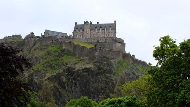 Edinburgh Castle (Photo by Tom Robotham)