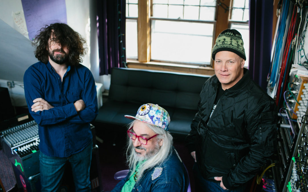 Grunge Heroes Dinosaur Jr. Far From Extinct